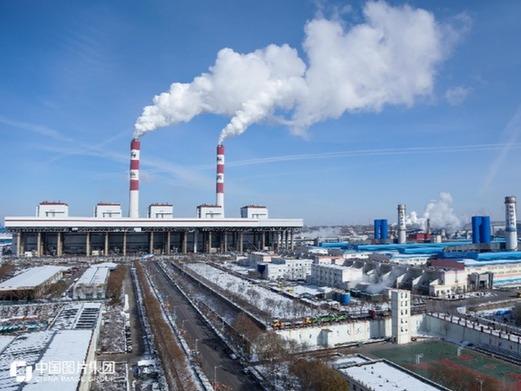 """烧黑煤 冒白""""烟"""":破解资源型城市的生态困局"""