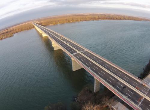 资料图:塞尔维亚贝尔格莱德跨多瑙河大桥