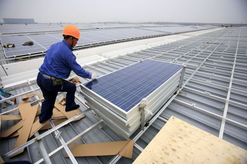 Rooftop solar installation in Shanghai