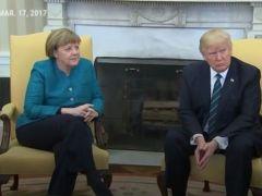 尴尬了。。特朗普和默克尔会面。。默克尔想握手,特朗普装听不见。。