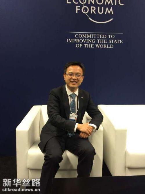 图为安永大中华区行业发展主管合伙人兼审计服务首席运营官王鹏程在2017夏季达沃斯期间接受采访
