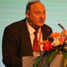 保加利亚农业食品部艾德里安·格奥尔吉耶夫国务专家