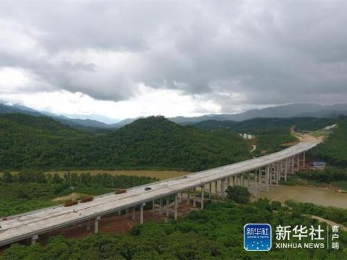 69km,起点位于五指山市毛阳镇,终点位于五指山市番阳镇,跨越两个镇.