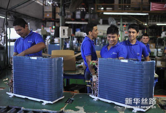 图为2011 年 9 月 8 日,巴西马瑙斯市的格力电器(巴西)有限公司生产基地。(图片来自新华社)