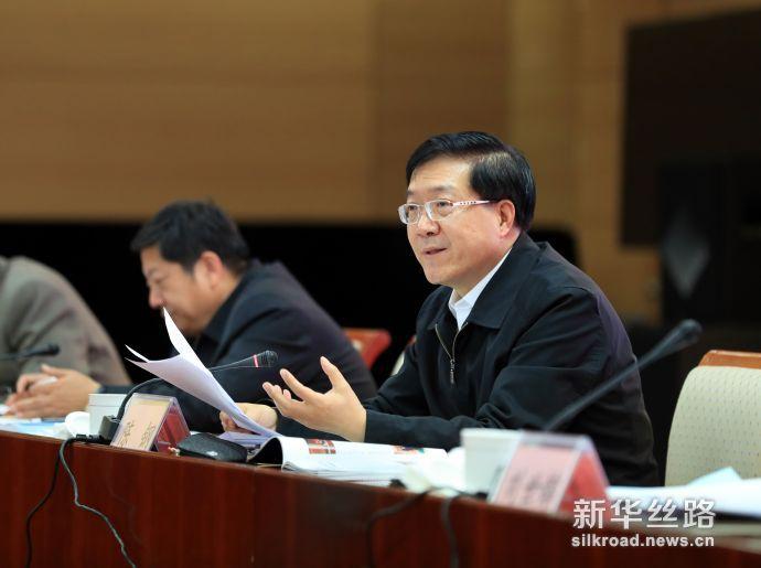 图为质检总局副局长陈钢在大会上发言(陈伟 摄)