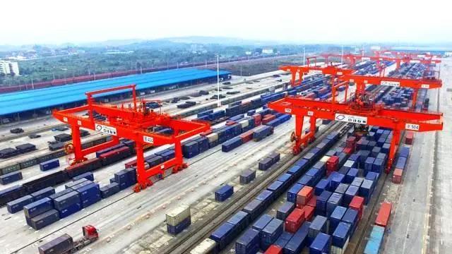 重庆前11月外贸总值突破4000亿