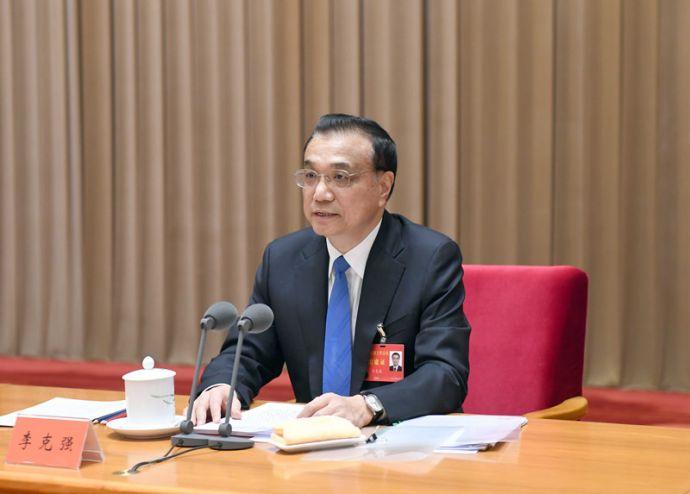 12月18日至20日,中央经济工作会议在北京举行。中共中央政治局常委、国务院总理李克强在会上作重要讲话。龙8国际社记者 张铎 摄