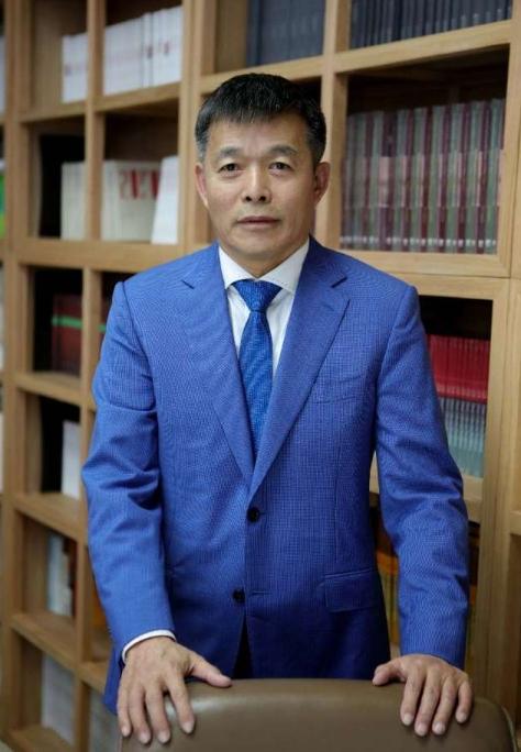 专家简介:胡鞍钢,清华大学国情研究院院长、公共管理学院教授。