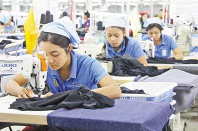 """""""一带一路""""为中缅服装工业合作带来发展机遇 中企带动缅甸服装业发展"""