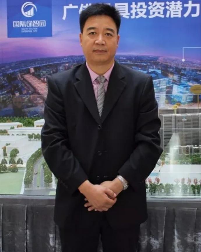 王满平,亚洲品牌论坛副主席,中国品牌企业联盟秘书长,广东省企业品牌建设促进会常务副会长兼秘书长,品牌中国战略规划院广东研究中心主任。
