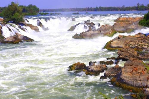 旅游景点  四千美岛 四千美岛位于老挝南部与柬埔寨接壤的湄公河流域