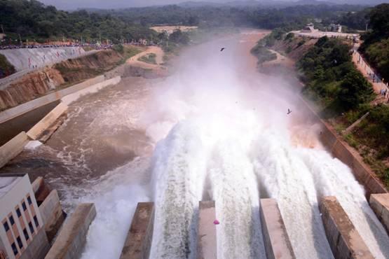 图为中国企业承建的斯里兰卡中部莫勒格哈坎达水库项目