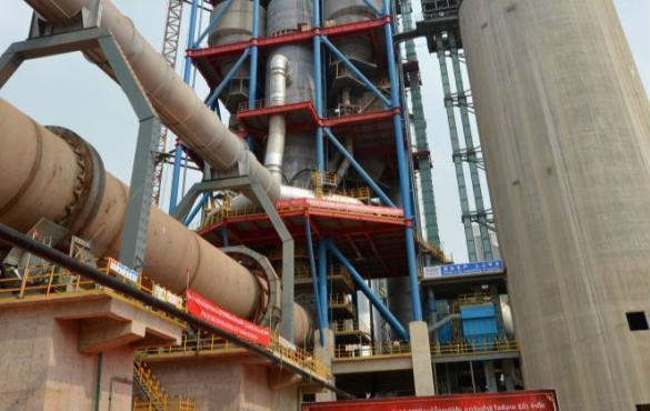 万象红狮日产5000吨水泥项目点火投产
