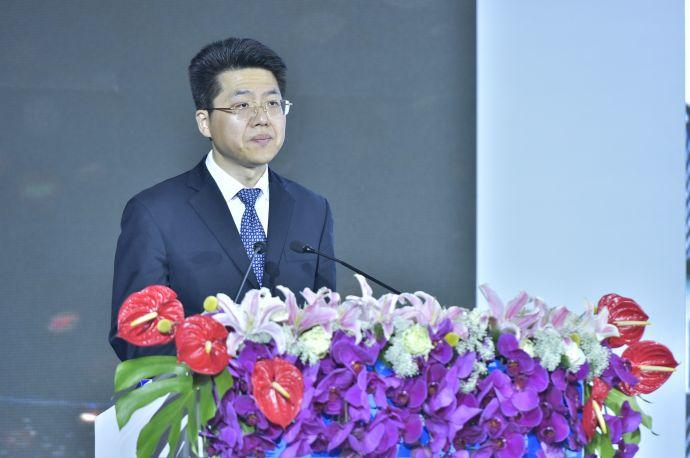 泸州市委常委、常务副市长曹俊杰