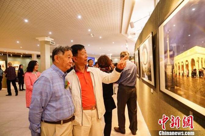 """""""一带一路""""旅游文化摄影作品展在广西桂林举行1"""