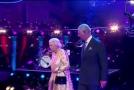 """儿孙们为92岁英国女王庆生 查尔斯王子叫""""妈咪""""遭""""瞪眼"""""""