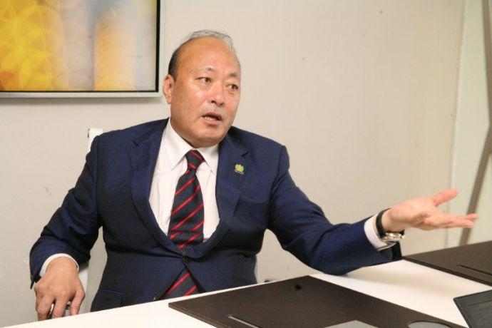 5月12日,李金元董事长在内罗毕接受新华社记者采访。照片由查尔斯拍摄