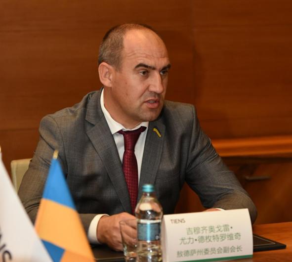 天狮集团董事长李金元拜会乌克兰敖德萨州议会副议长3