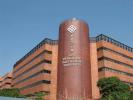 """香港理工大学与深圳大学18日在香港签订""""大湾区国际创新学院""""合作备忘录,携手为创新科技人才培育和企业孵化等搭建平台,带领粤港澳大湾区内的创新创业群体走向国际。"""