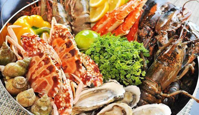 丝路旅游 旅游攻略  四,美食 海鲜 蒸膏蟹,椒盐虾菇,海鲜粥,椒盐皮皮