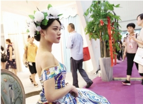 2018绍兴柯桥中国轻纺城窗帘布艺展览会(秋季)开幕