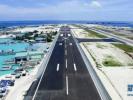 由中国企业承建的马尔代夫维拉纳国际机场新跑道试飞仪式18日举行。马尔代夫总统亚明出席仪式时表示,中国企业承建的这条国际机场新跑道将为马尔代夫的