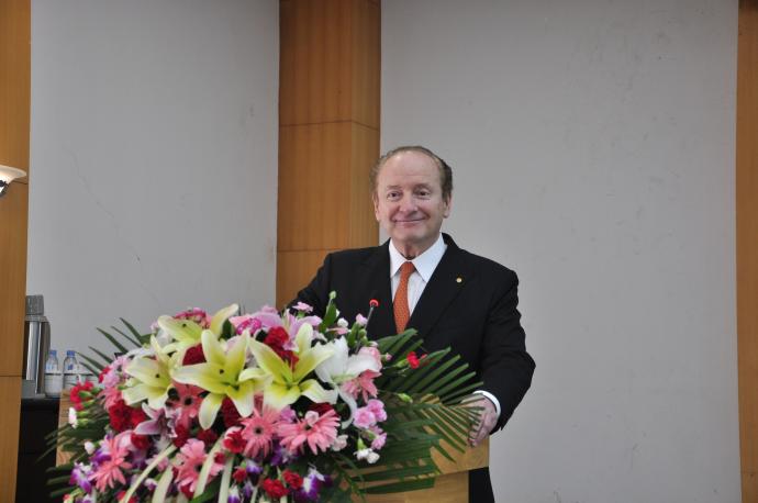 罗伯特·C·默顿在广西大学演讲中