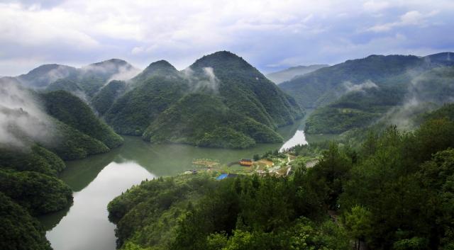 贵州石阡 旅游资源富集之地2