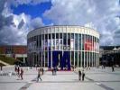 全球最大的国际医疗器械设备展12日在德国杜塞尔多夫会展中心开幕,庞大的中国展团引人注目。本次展会的主题聚焦医疗数字化、医院联网、手术联网、大数据管理和远程医疗。展