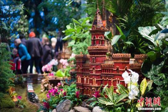 植物搭建的纽约地标吸引民众参观