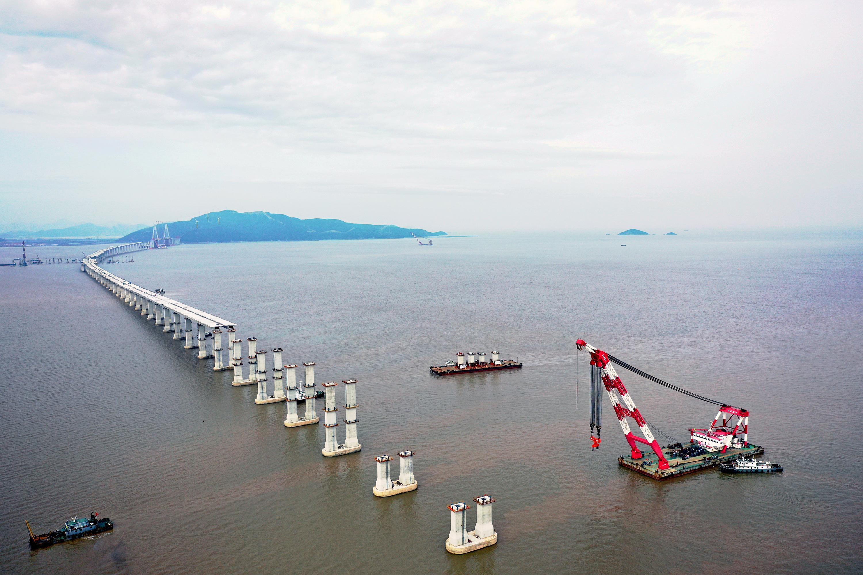 浙江舟山:越海造桥建通途