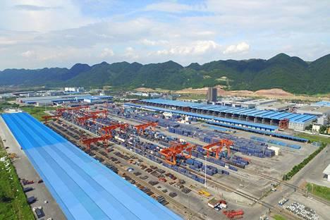 西部陆海新通道首次进口越南木材  比传统江海联运提速20天