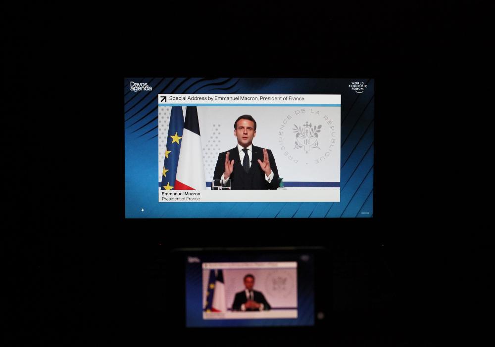 法国总统说后疫情时代经济发展要首先考虑人的因素