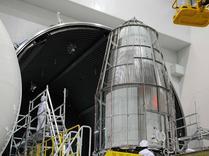 """中国成功发射首颗微重力科学实验卫星""""实践十号"""""""