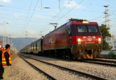 甘肃境内首段兰渝铁路开通运营