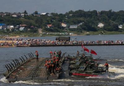 """中国队获得国际军事比赛""""开阔水域""""项目亚军"""