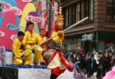 中国元素亮相芝加哥感恩节大游行