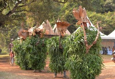 喀麦隆:巴浪王国文化节大游行