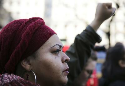 """纽约举行""""没有女性的一天""""妇女节集会"""