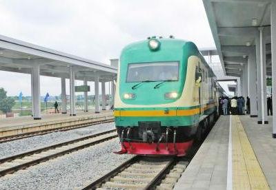尼日利亚代总统感谢中国支持尼铁路建设
