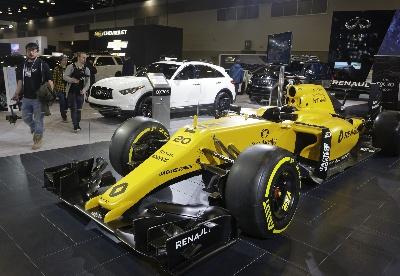 温哥华国际车展开幕