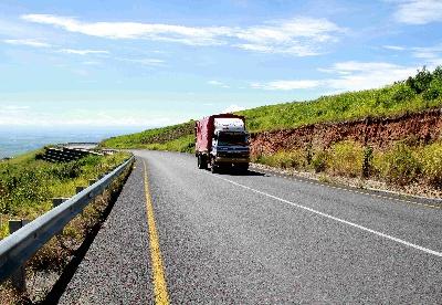 中企承建坦桑尼亚海拔最高公路竣工通车