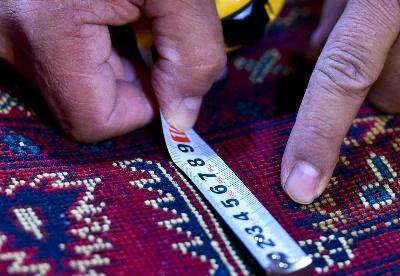 """阿富汗商人福来敦:五彩地毯""""铺出""""精彩生活"""