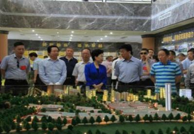 四川省人大考察绵阳市工业垃圾开发利用项目