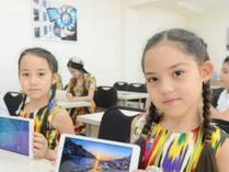 华为公司向塔什干第59中学捐赠智慧教室