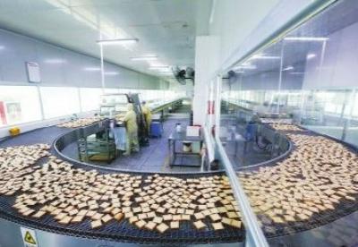 钦州局积极扶持地方特色食品生产出口企业应对香港新规