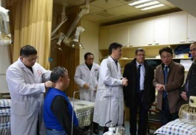 突尼斯卫生部门官员访问江西考察中医药行业