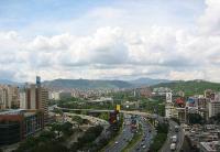 委内瑞拉政府将重组约700家国企