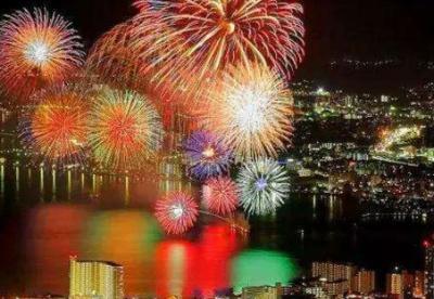 东京举行最大烟火大会,87万人现场观看