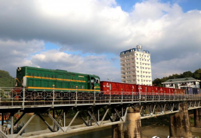中越米轨铁路中亚班列开行突破500列